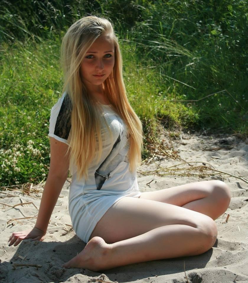 школьница голая фото юная № 526931 загрузить