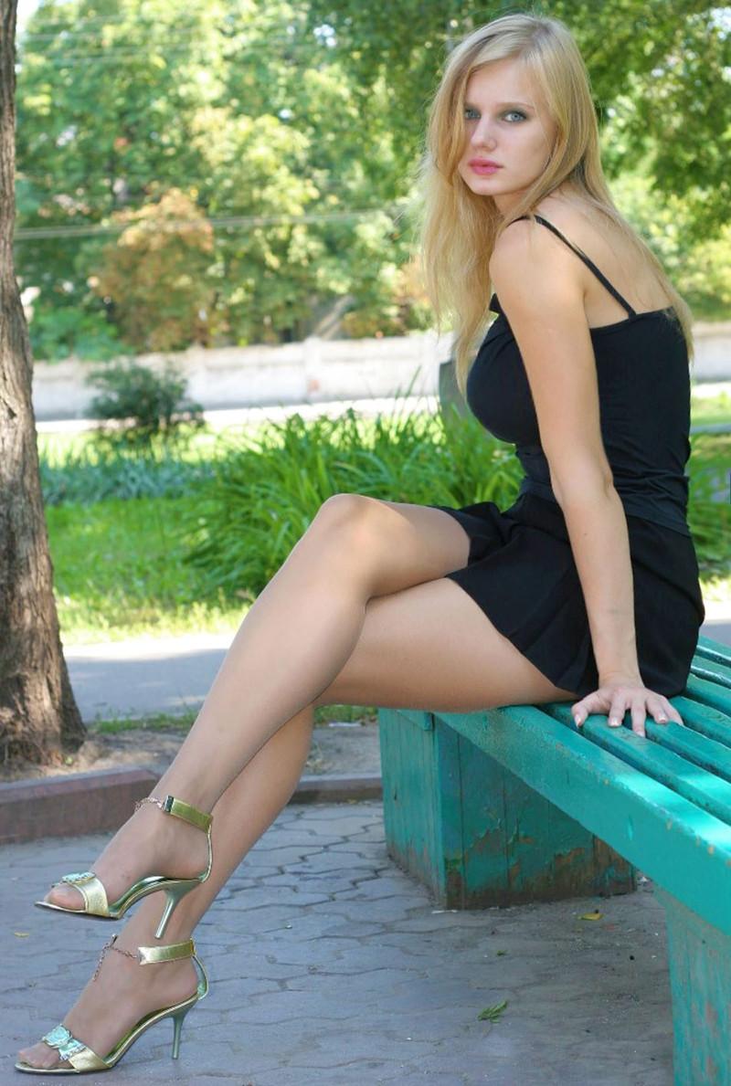 Частные фото девушек на улице 18 фотография