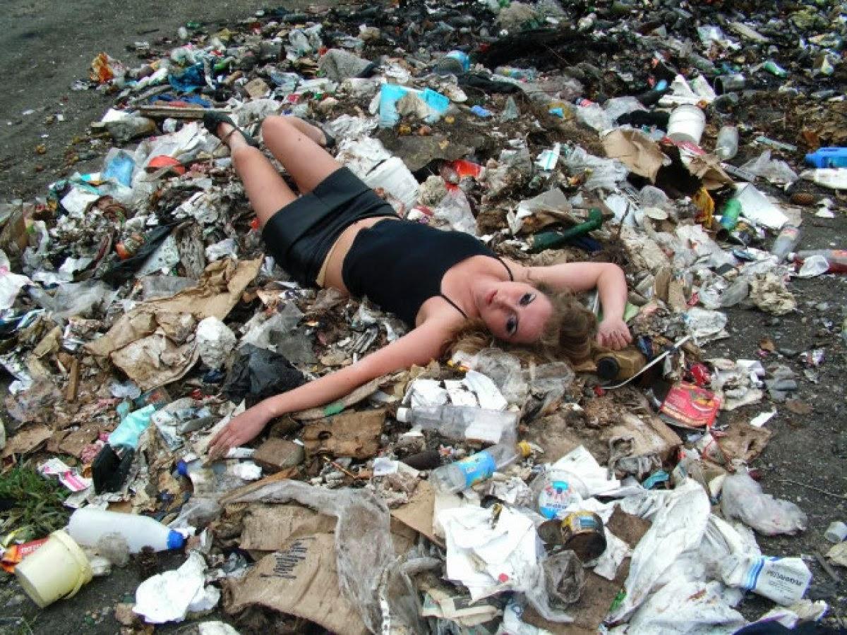 Секс в мусорке 2 фотография
