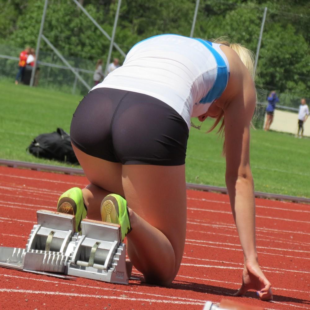 Спортсменка порвала костюм на жопе фото 9 фотография