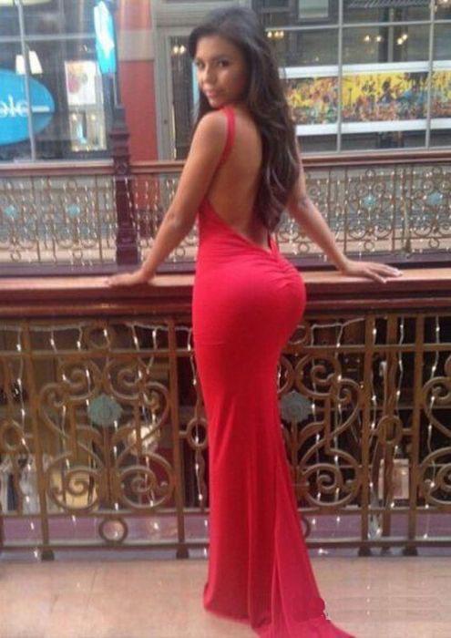 В длином платье